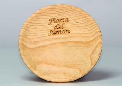 Recuerdo-plato de madera-Nueva Imagen Publicidad Bierzo